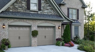 Harry-Jrs-garage-doors-Amarr-Oak-Summit-3
