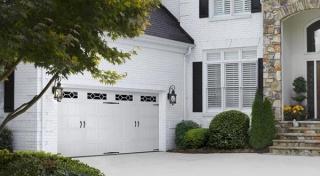 Harry-Jrs-garage-doors-Amarr-designers-choice-2